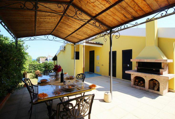 Villa Azzurra patio